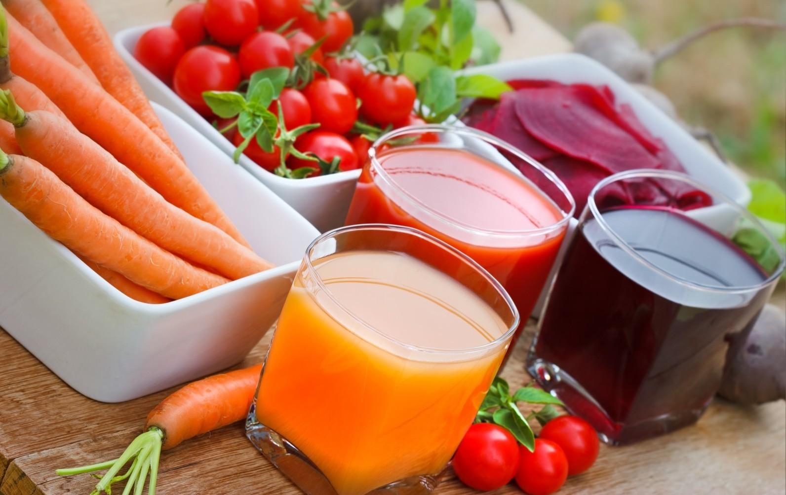 jus detox carottes betteraves et tomates