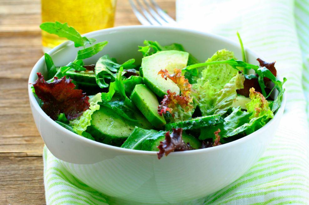 salade à l'avocat et au concombre