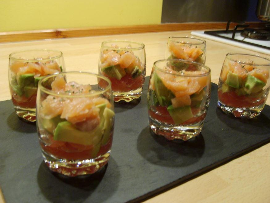 recette de verrines d'avocat au saumon fumé