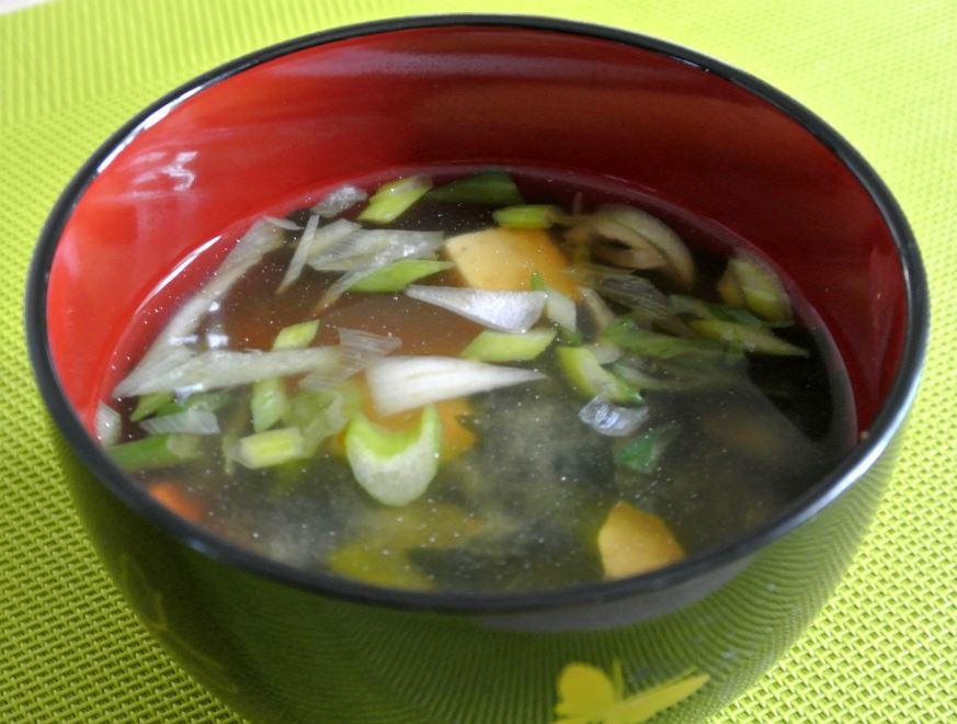 commencer par une soupe miso