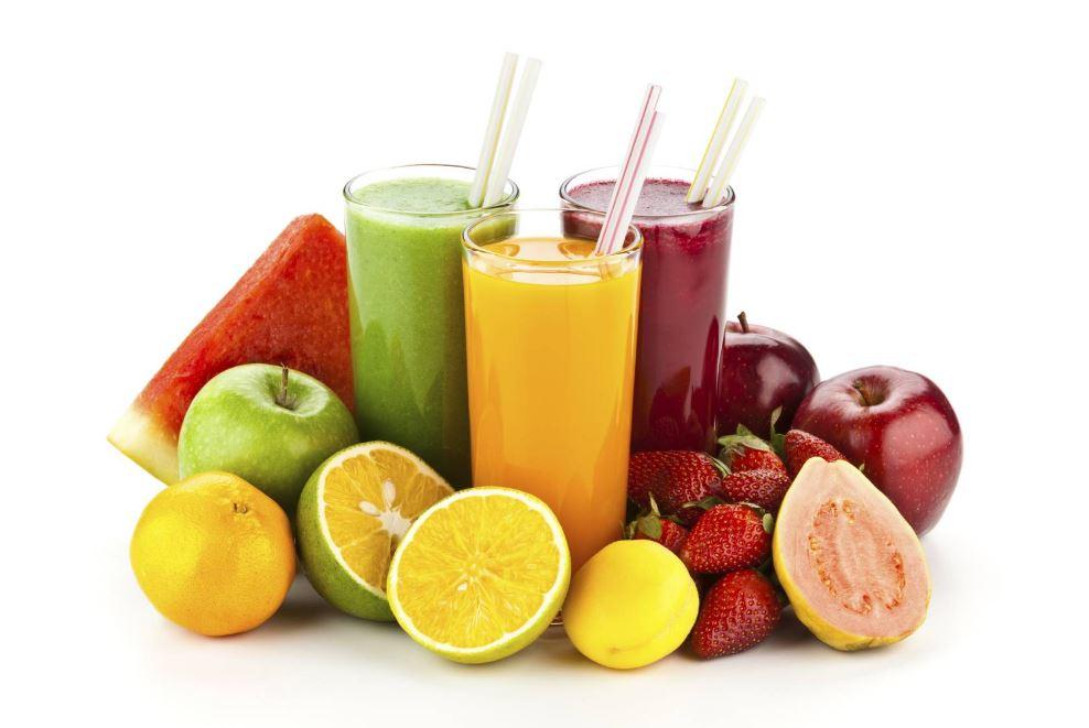 boire des jus de fruits