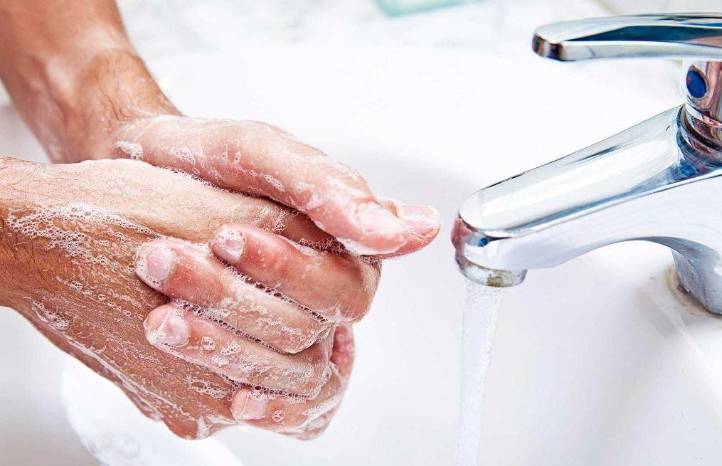 se laver les mains pour lutter contre les infections